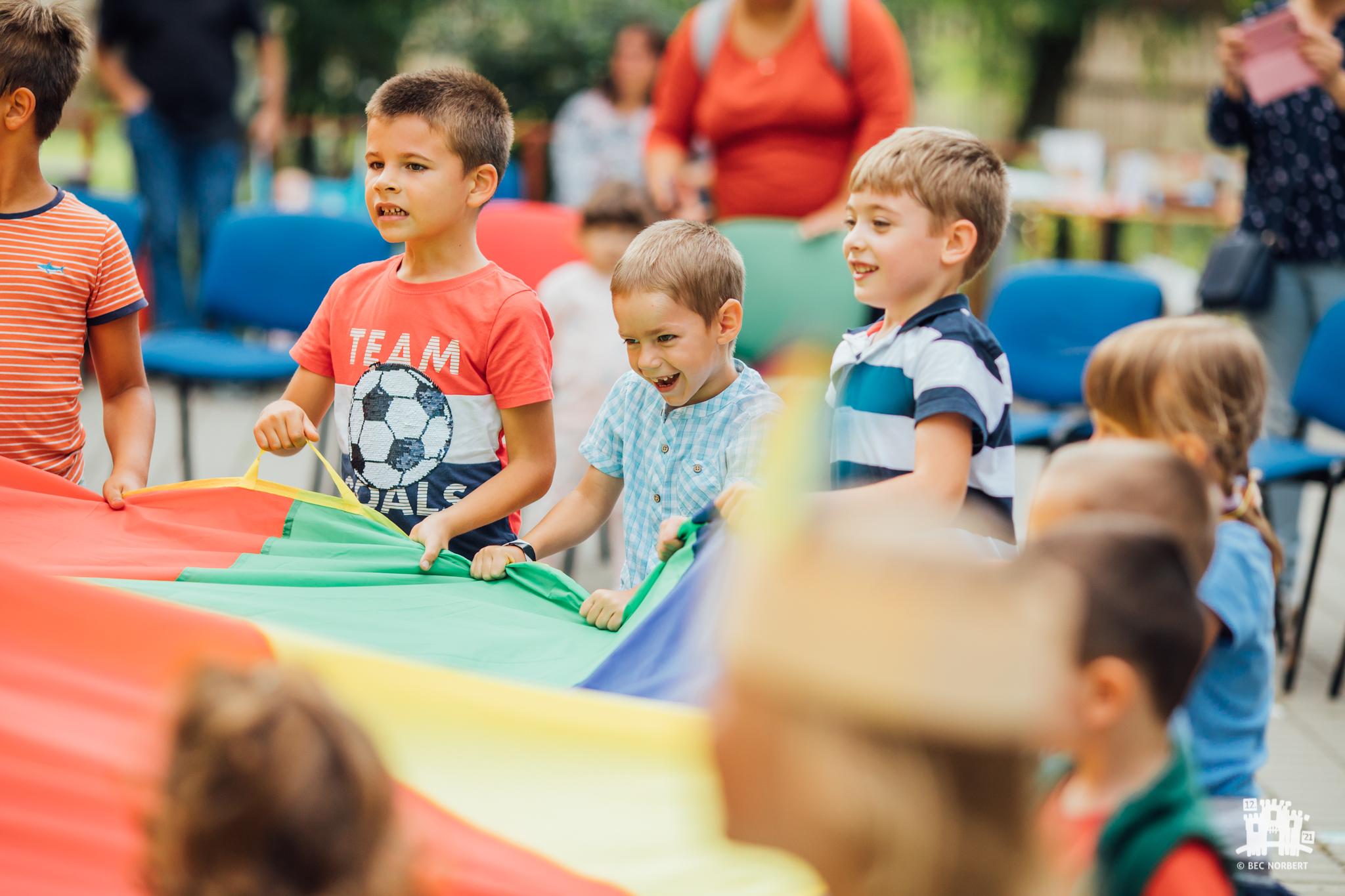 Zi familială interactivă în Şcoala Specială pentru Deficienţi de Auz