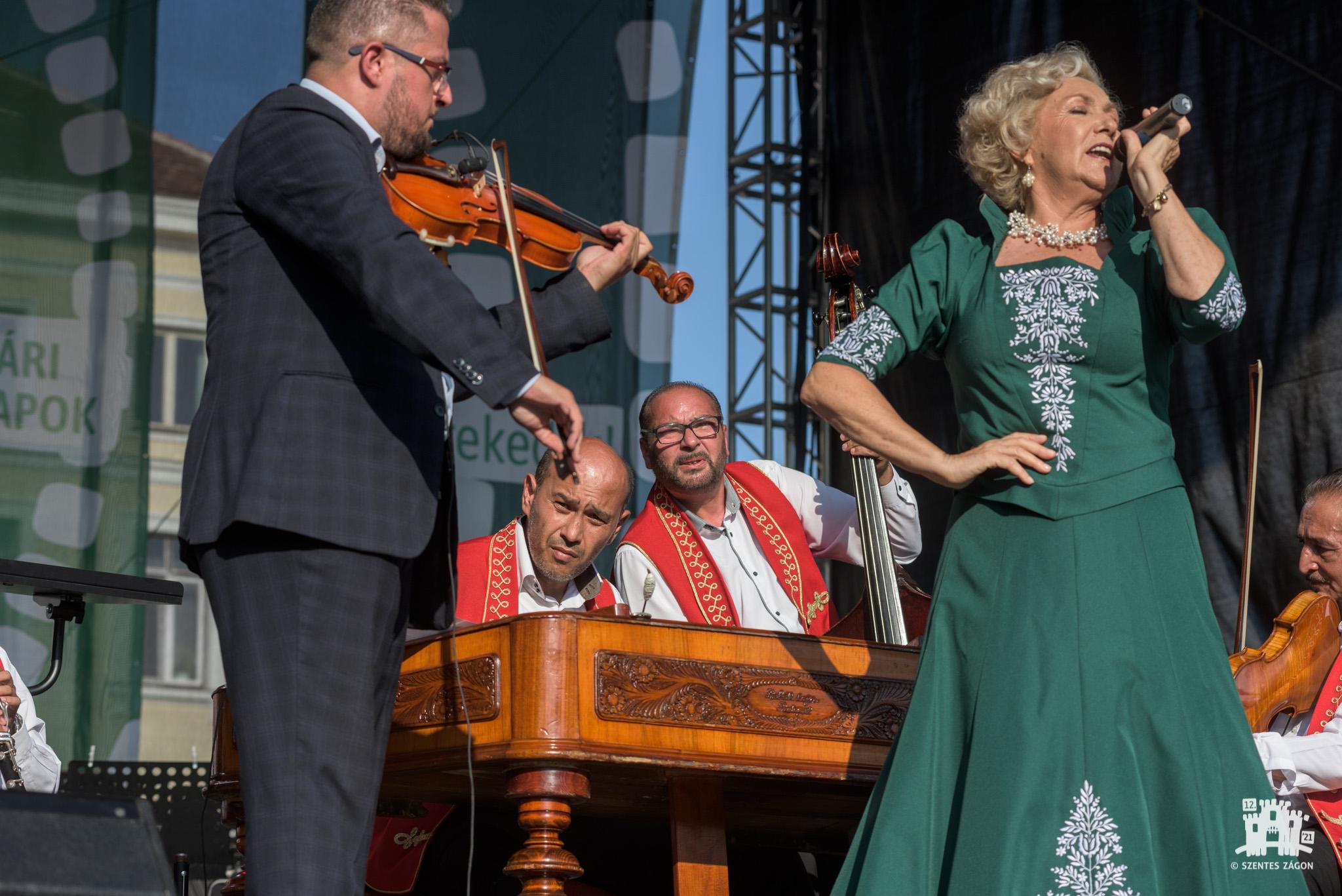 Melodii ungurești îndrăgite