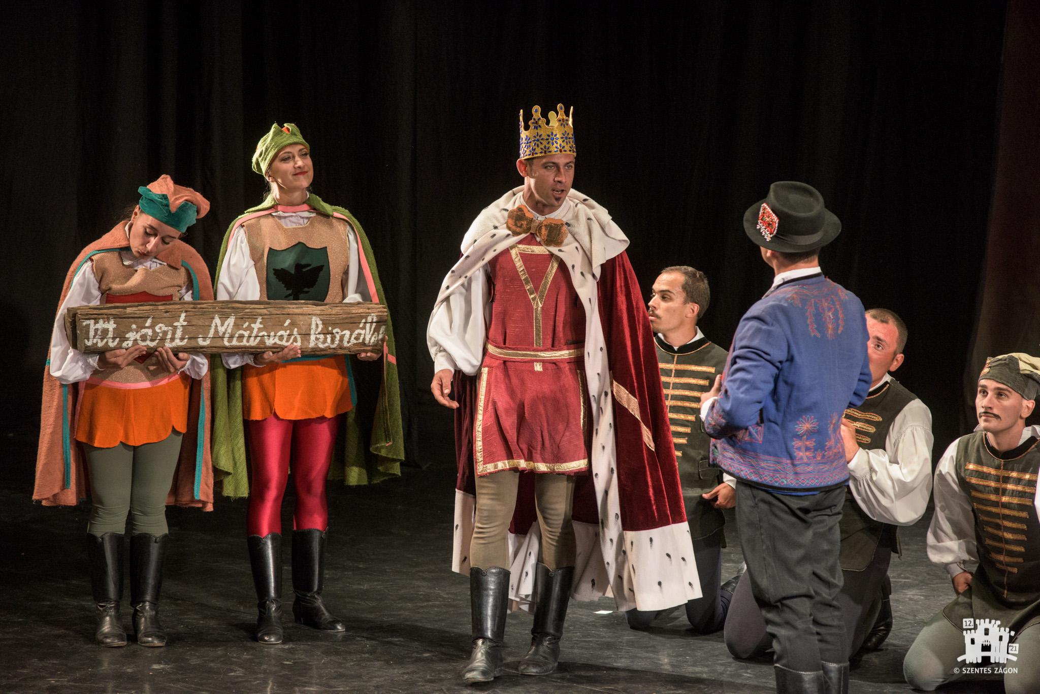 Regele Matia deghizat – spectacol-poveste oferit de Ansamblul Artistic Mureşul