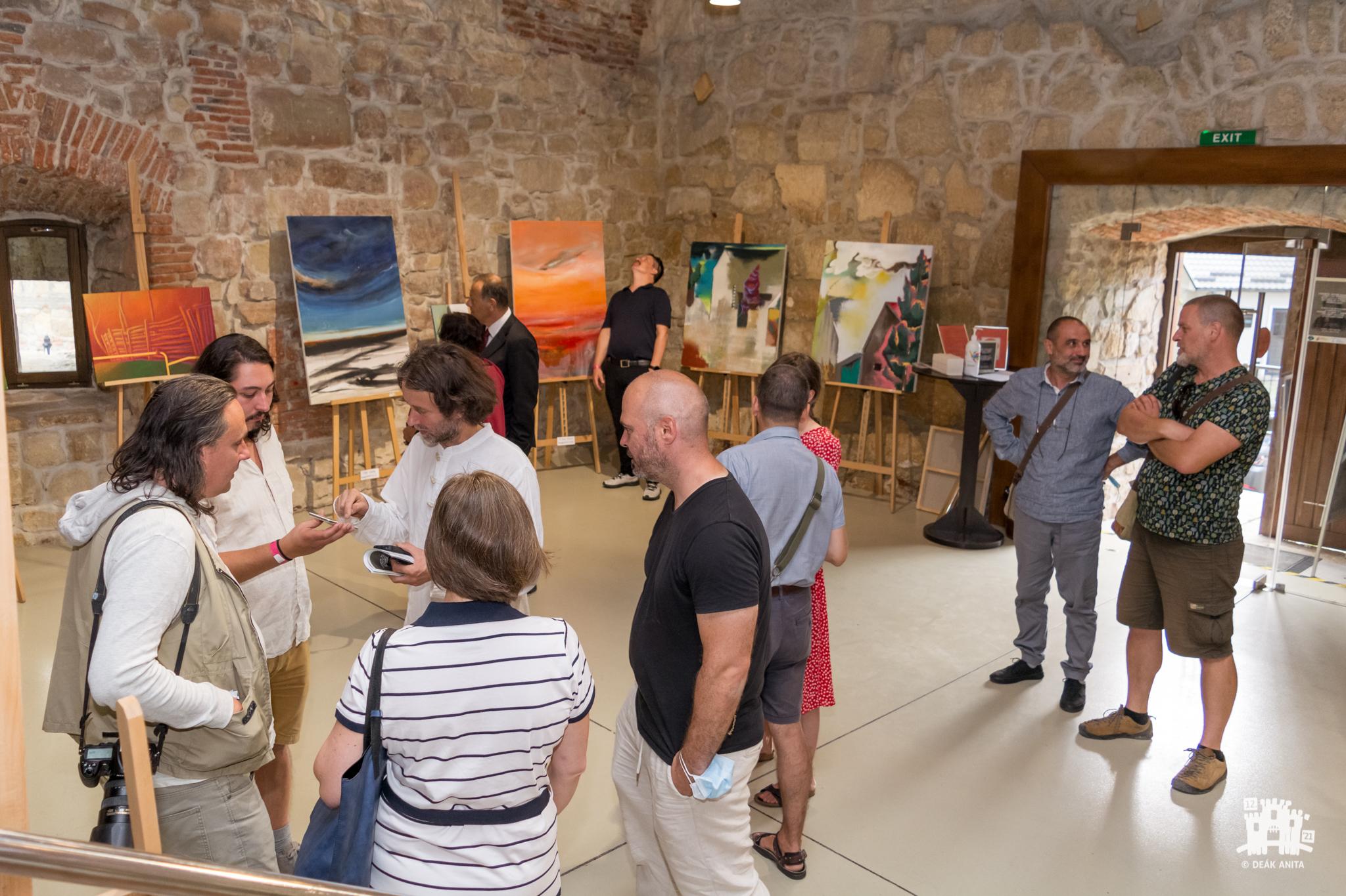 Ellentétes kiterjedések – a KÁRP-ART II. Kárpát-Medencei Képzőművészeti Mesterszimpózium és Művésztelep kiállításának megnyitója